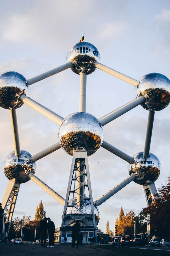 Atomium front - Discover the architectural side of Brussels