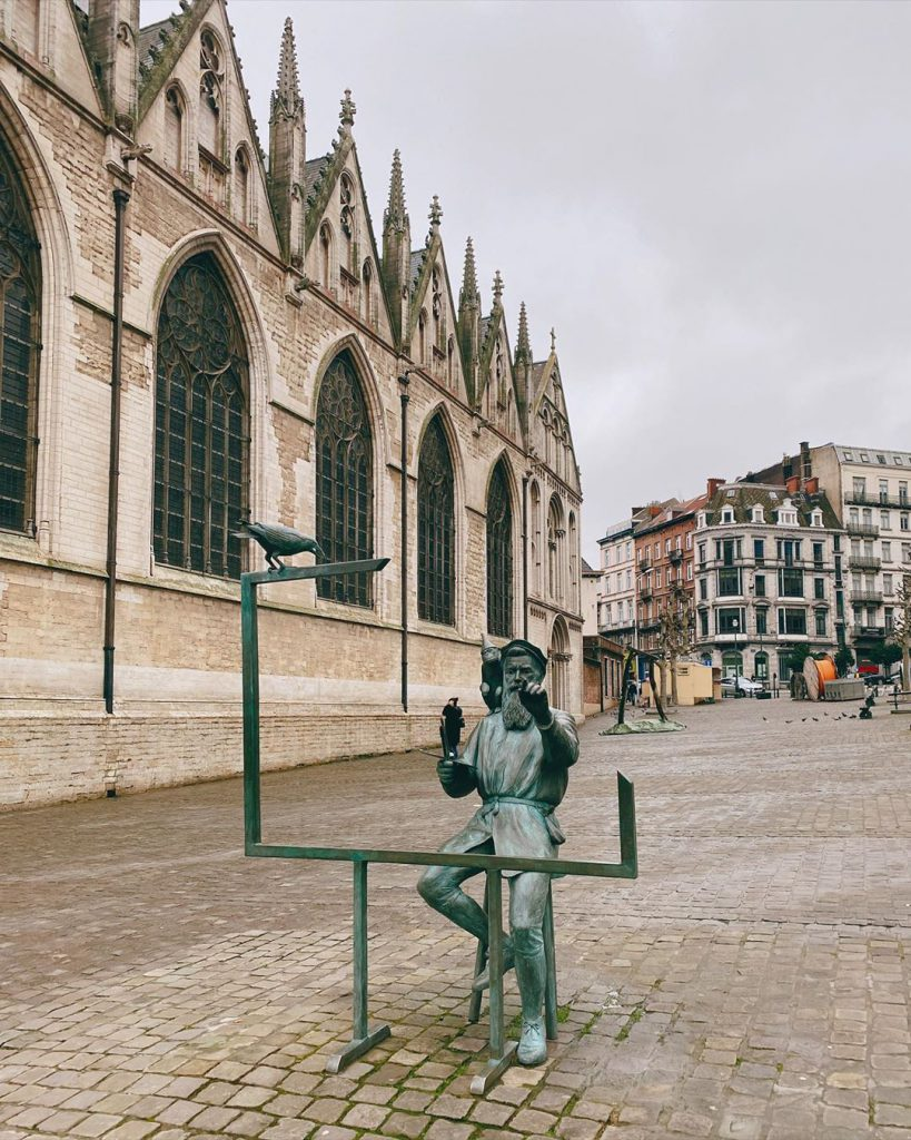 Chapel Church statue - Discover the architectural side of Brussels