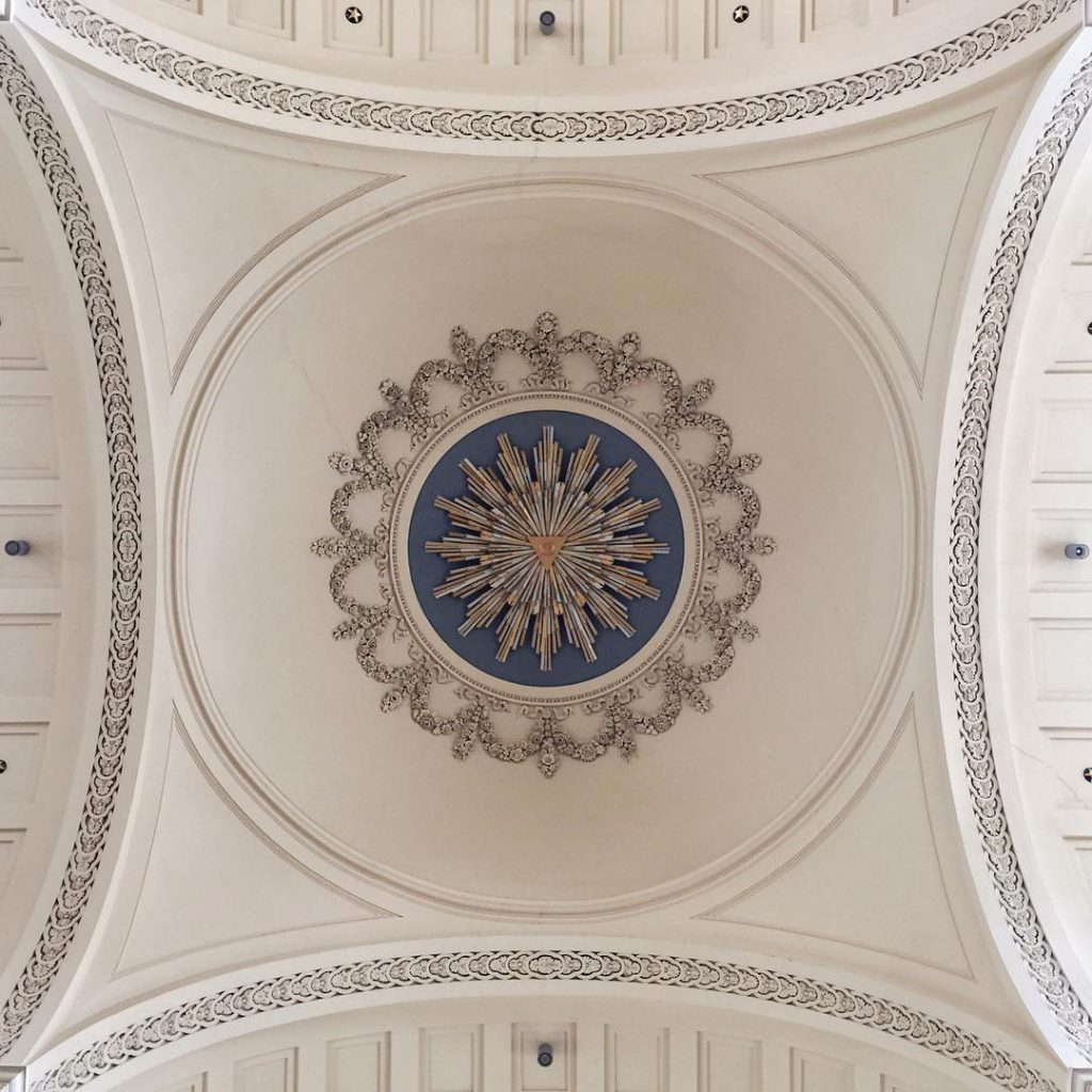 Saint Jacques sur Coudenberg ceiling - Discover the architectural side of Brussels