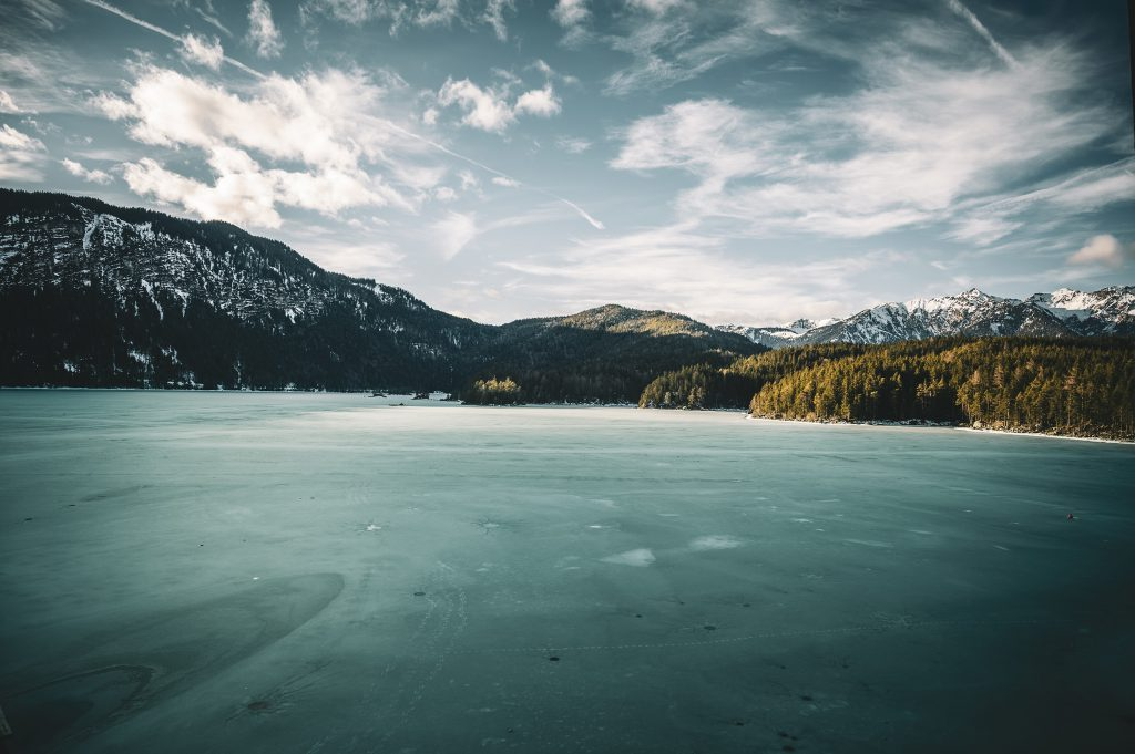Frozen Lake Eibsee - Lake Eibsee, hidden beauty in the German Alps