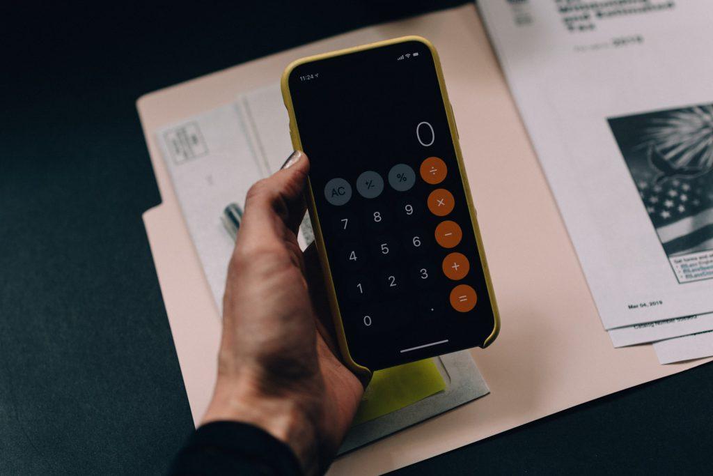 Van life budget - Money saving tips for van life