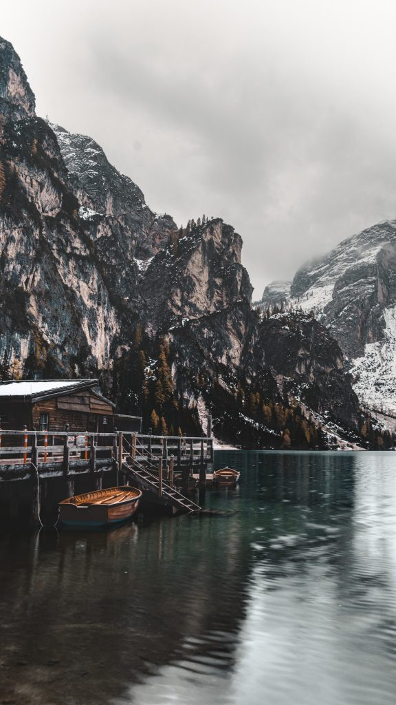 Lago di Braies view - Dolomites Itinerary: the 5 most stunning hikes to discover in 2021